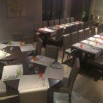 Ici nous avions un repas de 52 personnes en plusieurs tables.